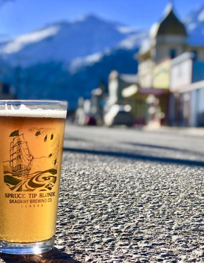 spruce-tip-blonde-beer-by-skagway-brewing-company-alaska