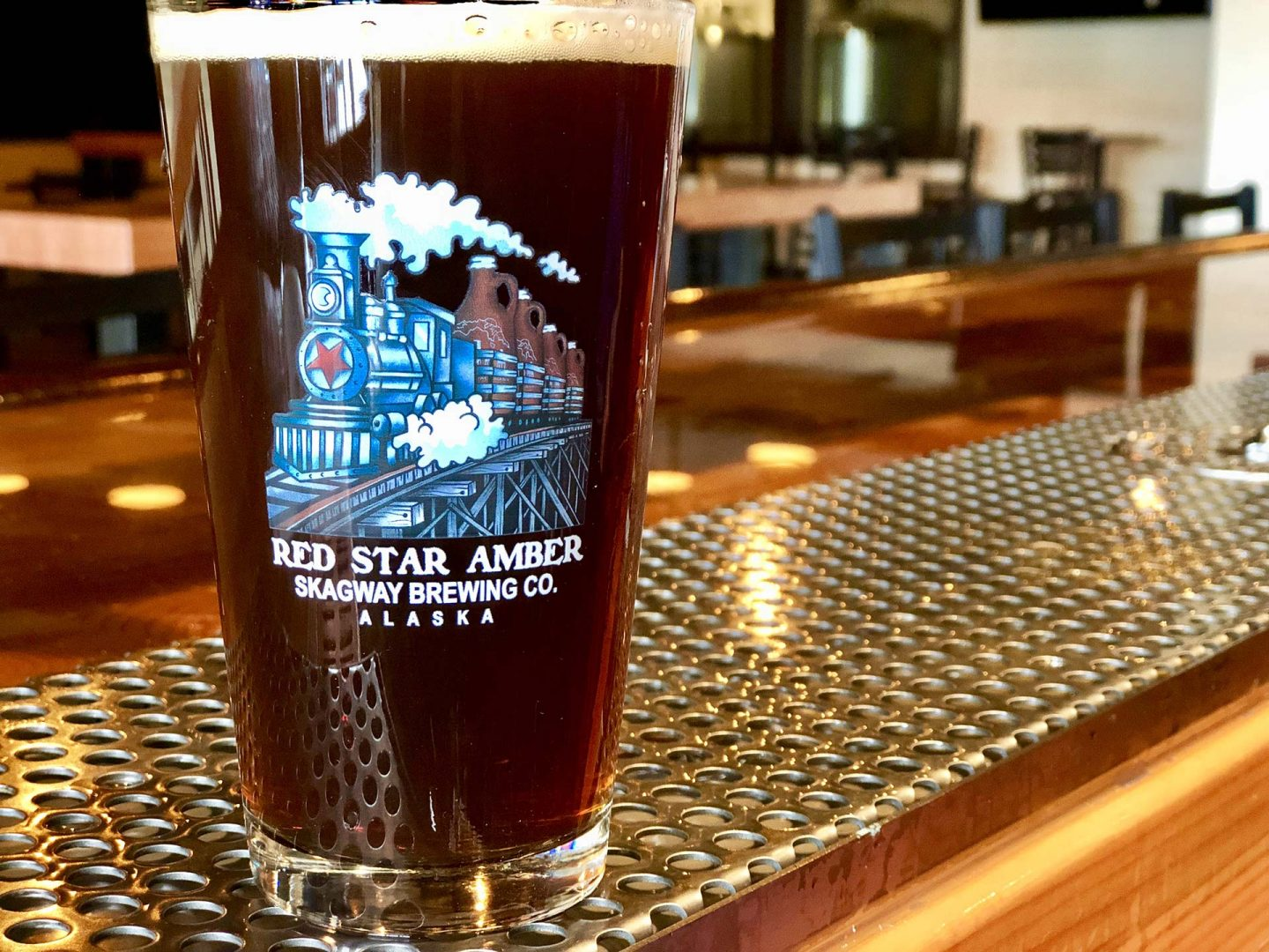 Red Star Pint in Color